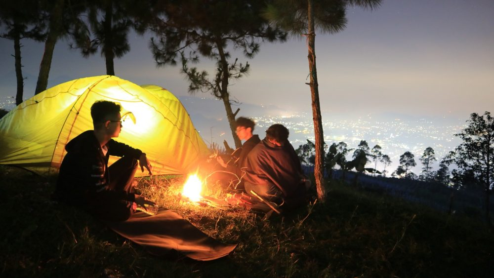 camping gunung putri