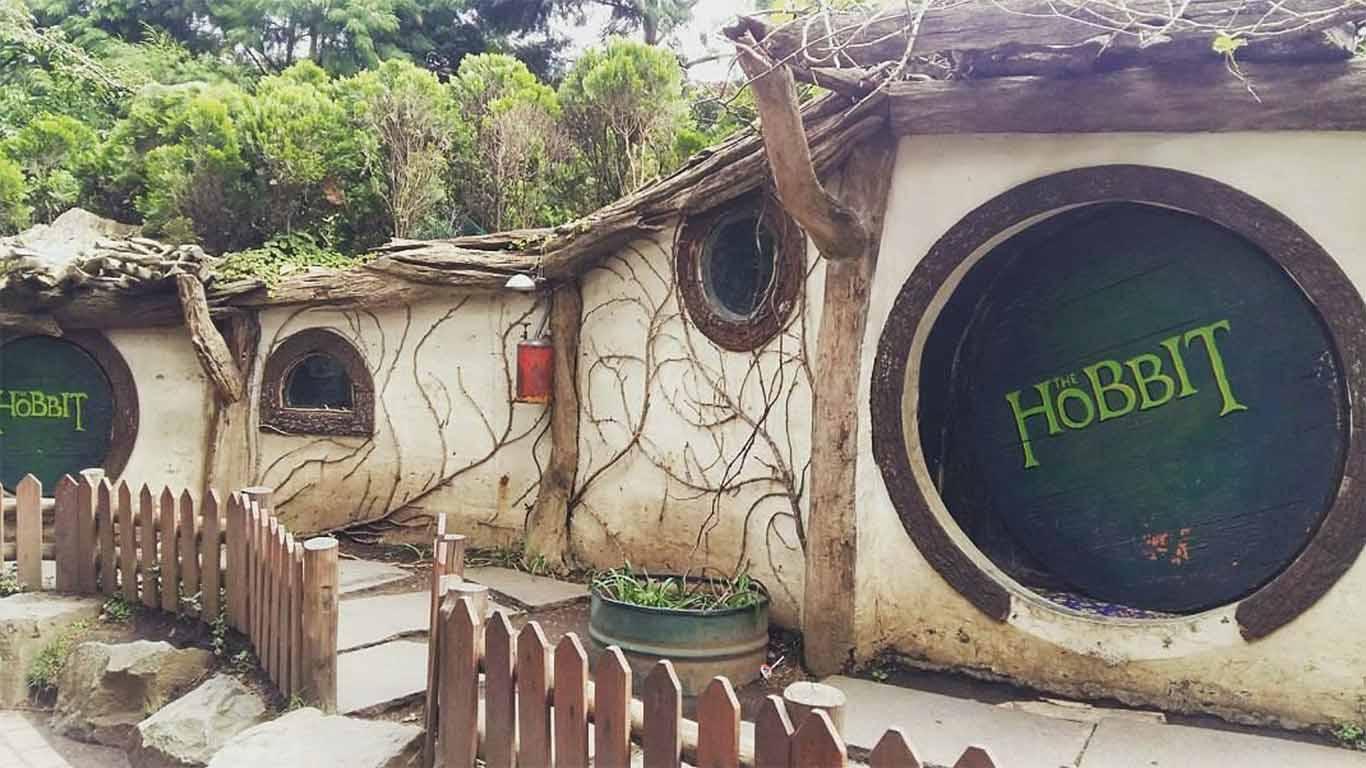 rumah hobit farmhouse lembang