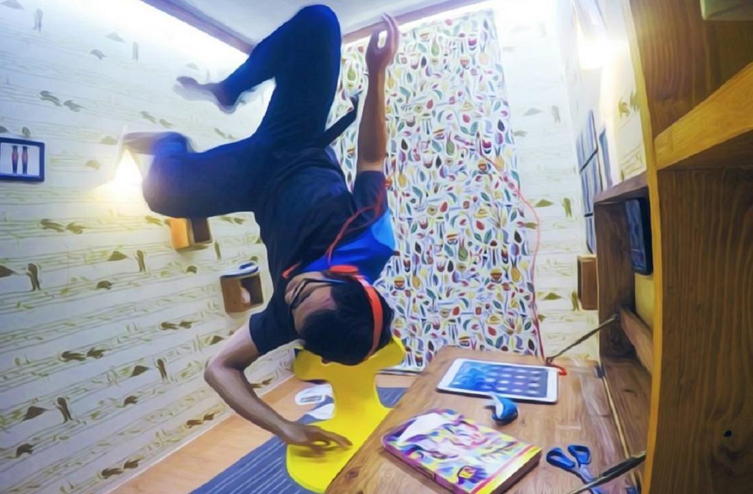 jam buka Upside Down World Bandung