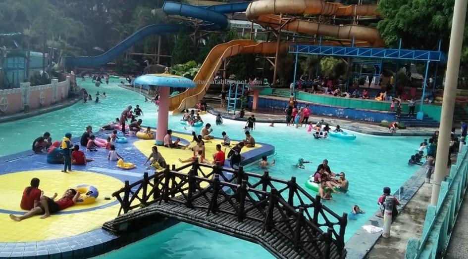 kolam renang karang setra
