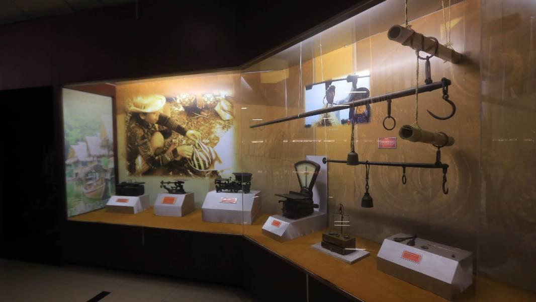 kontak museum sri baduga