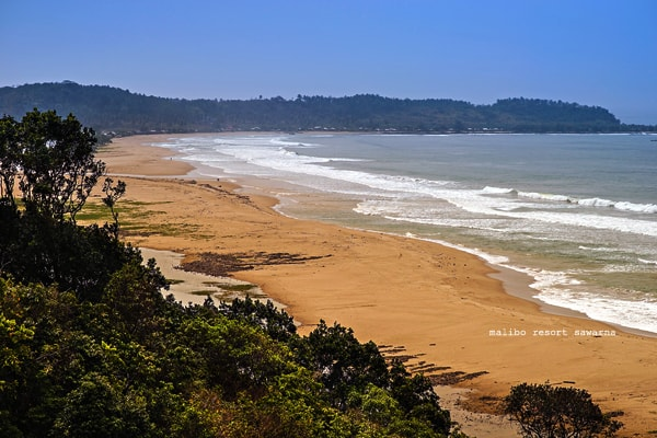 bukit cariang pantai sawarna