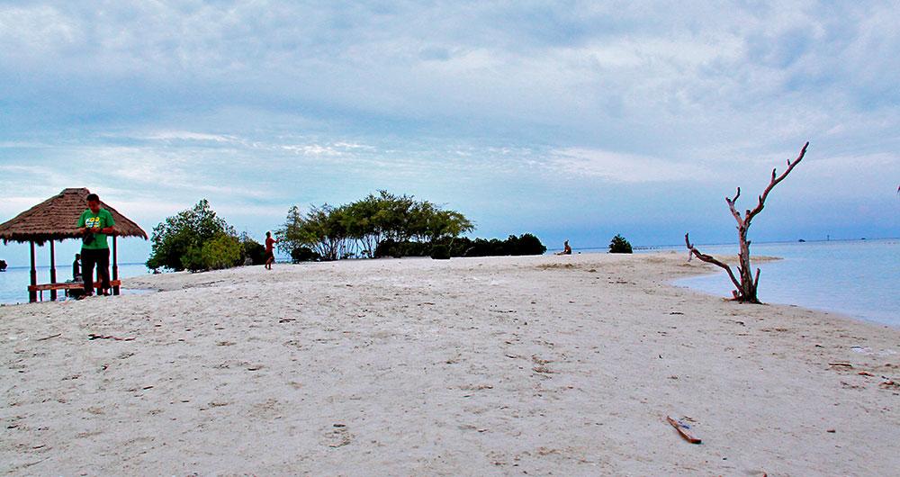 fasilitas pantai pari 1