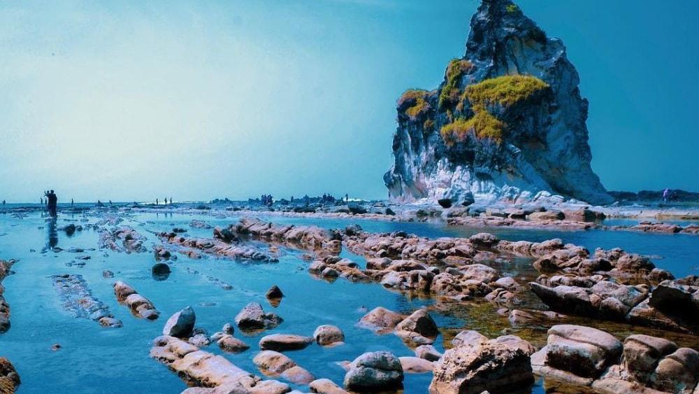 info lengkap wisata pantai sawarna