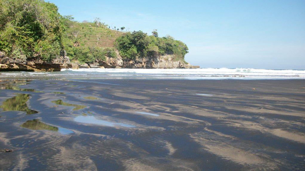 pantai di banten 1