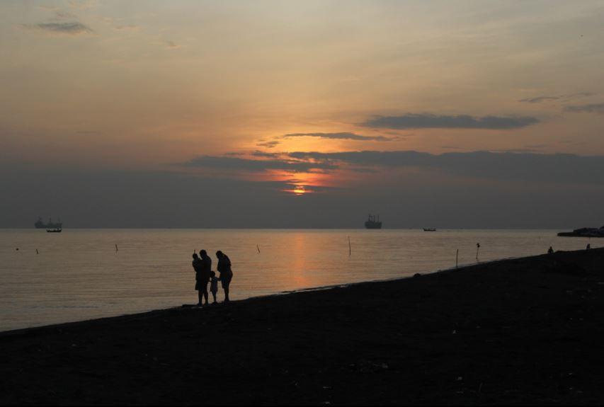sunset pantai ngebum kendal