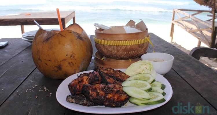 wisata kuliner pantai indrayanti
