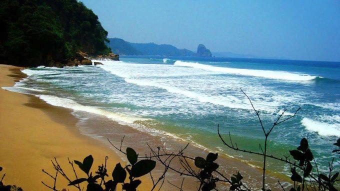 wisata pantai baros di bantul