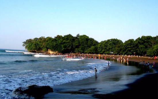 wisata pantai batukaras di jabar