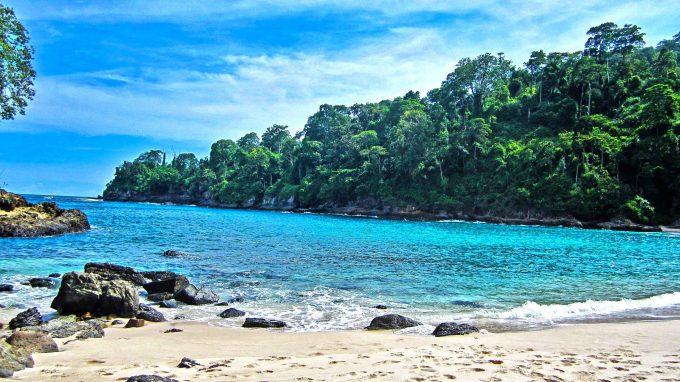 wisata pantai brumbun tulungagung