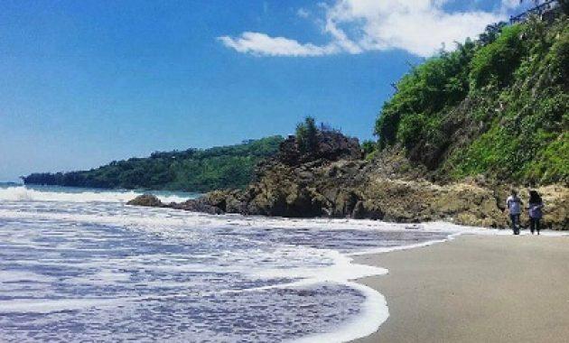 wisata pantai cibangan di sukabumi