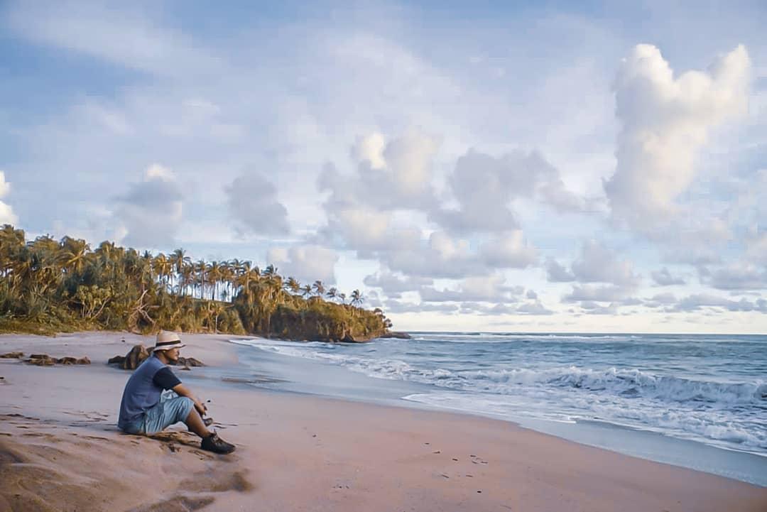 wisata pantai cibuaya di sukabumi