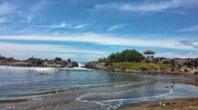 wisata pantai cijeruk di jabar