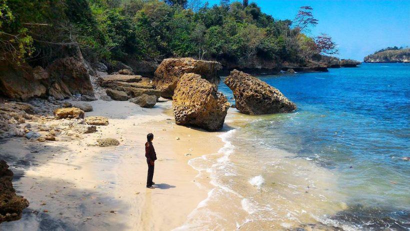 wisata pantai gerangan tulungagung