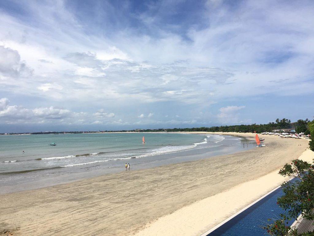 wisata pantai jimbaran