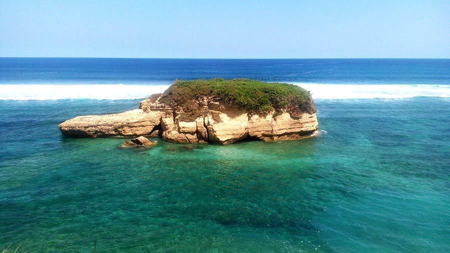 wisata pantai kura kura di lombok
