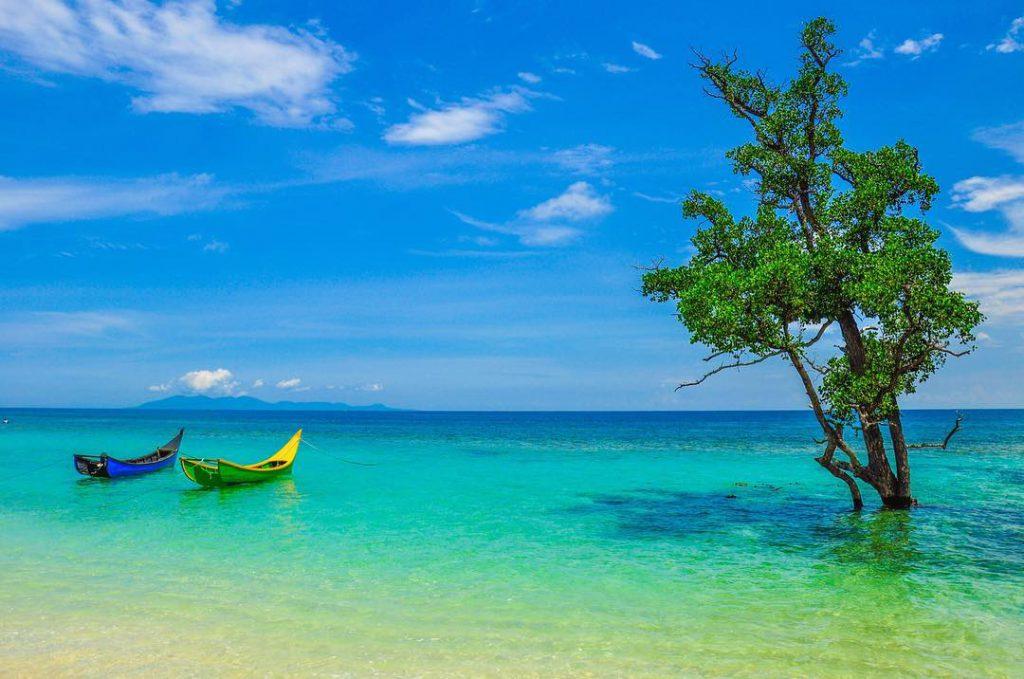 wisata pantai lhok mee aceh