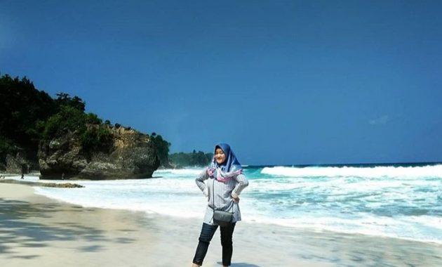 wisata pantai lumbung tulungagung