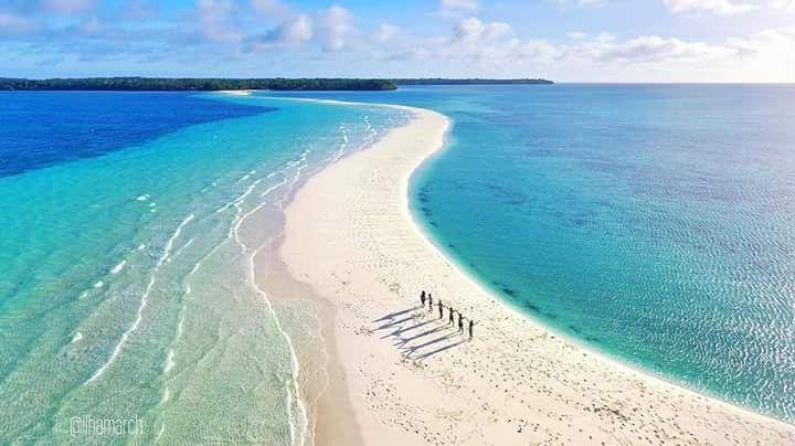 wisata pantai ngurtafur di maluku
