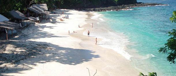 wisata pantai padang bai di bali