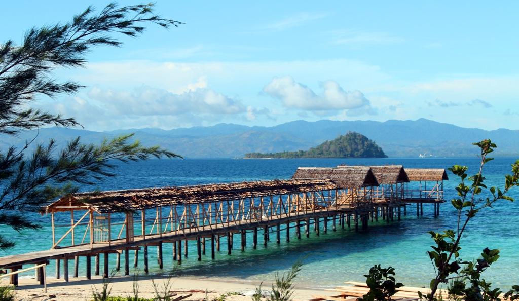 wisata pantai pasir putih pulau saronde