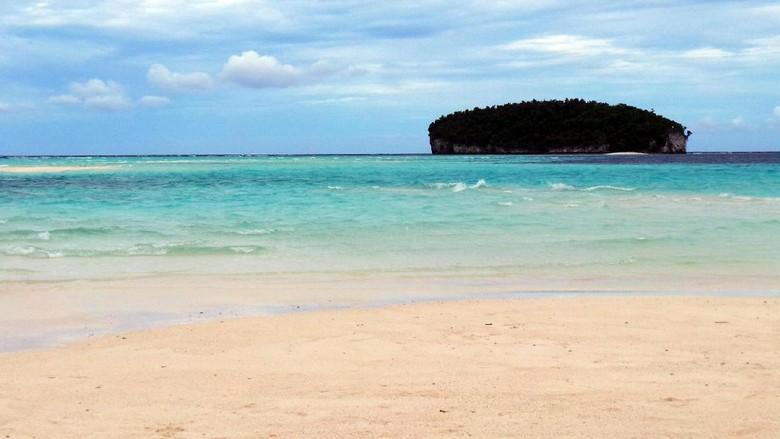 wisata pantai pasir putih raja ampat papua