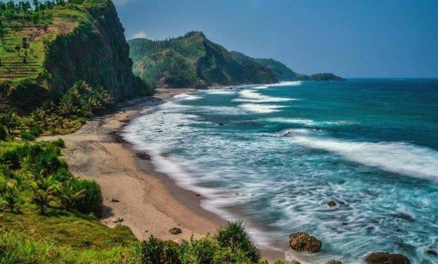 wisata pantai pecaron kebumen