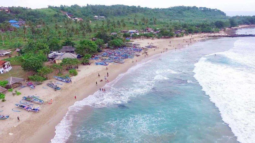 wisata pantai sawarna 1