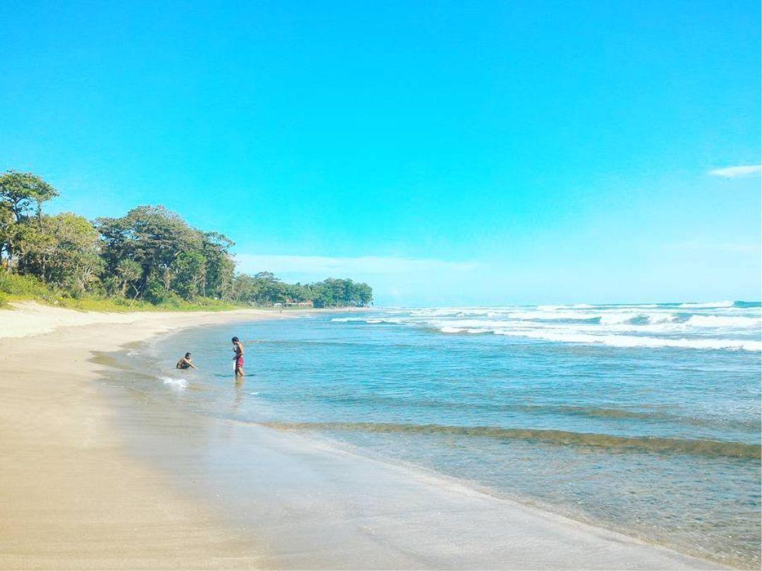 wisata pantai sindangkerta di jabar