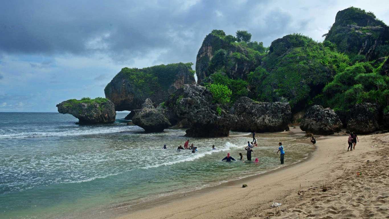 wisata pantai siung di jogja