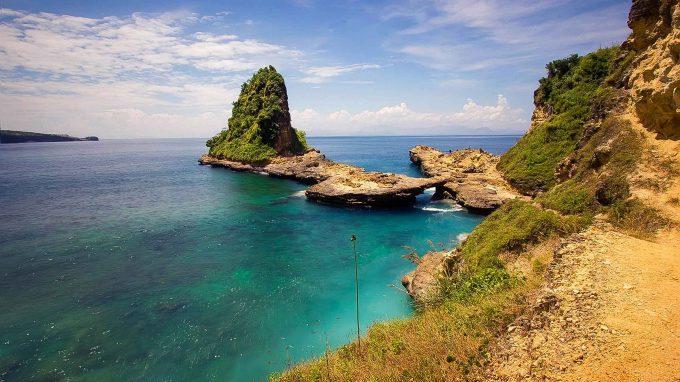 wisata pantai tanjung bloam di lombok