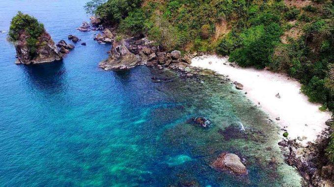 wisata pantai wedi putih kebumen