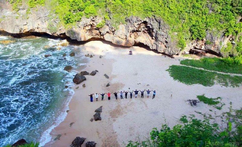 wisata pantai wohkudu di gunung kidul