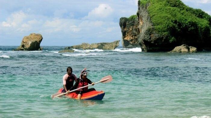 wisata perahu kayo pantai sadranan