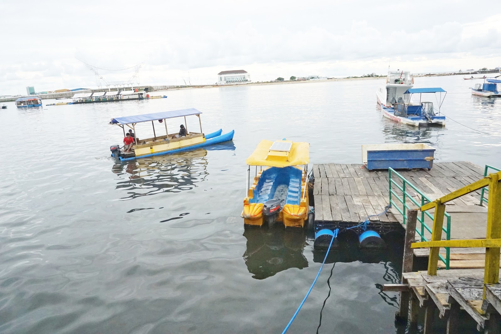 wisata perahu pantai losari