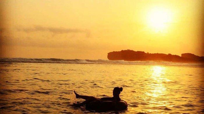 wisata sunset pantai sadranan
