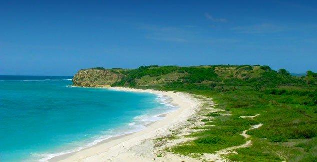 wisata pantai ekas di ntb