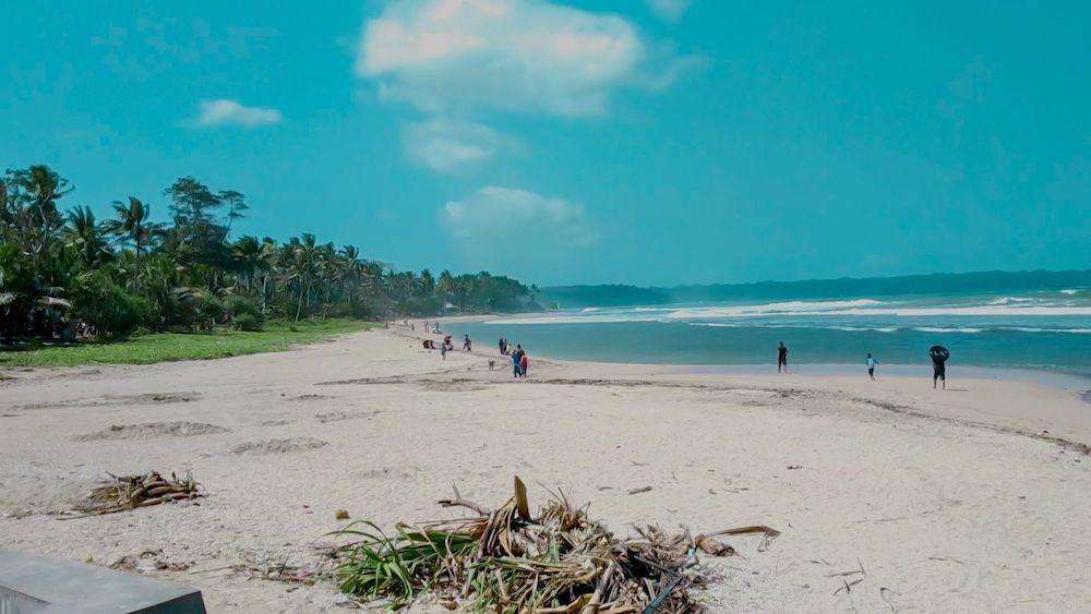 wisata pantai karapyak di pangandaran