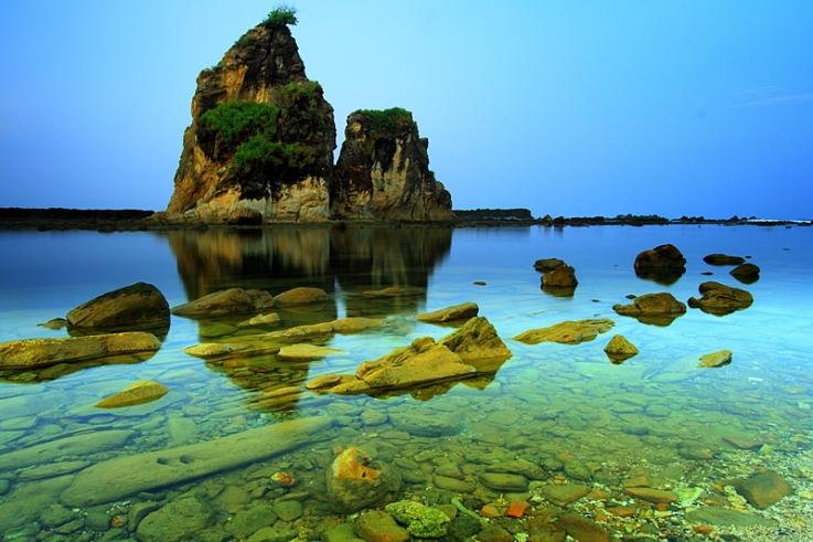 wisata pantai sawarna terindah di indonesia