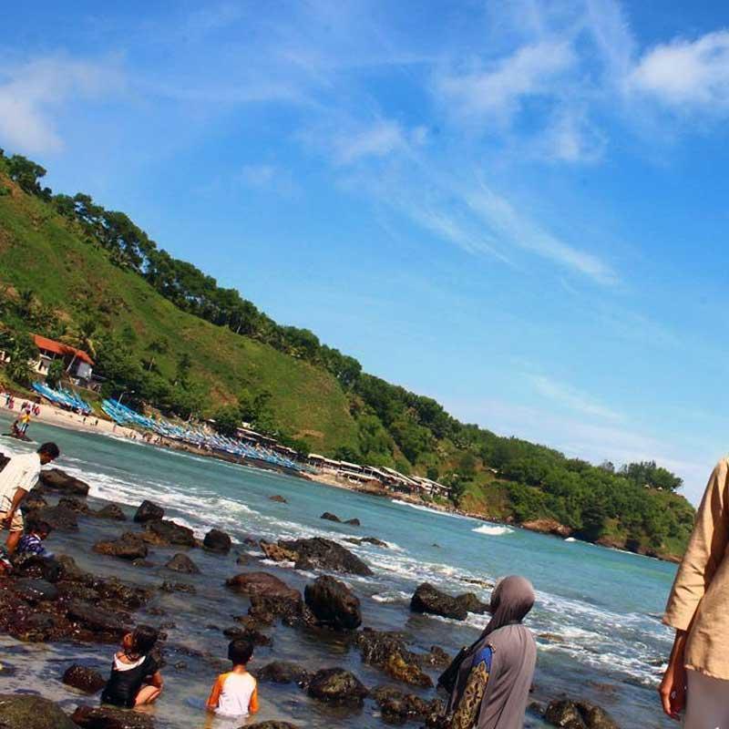 berenang pantai menganti kebumen