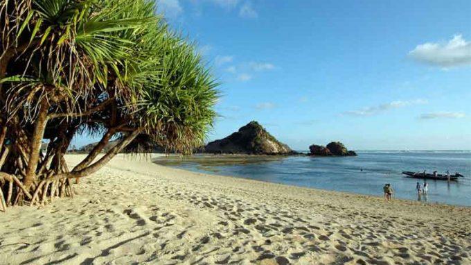 info harga tiket masuk wisata pantai kuta lombok ntb