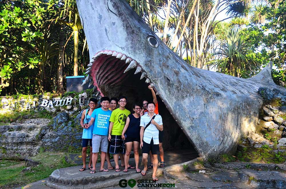 info kuliner wisata pantai batu hiu banten