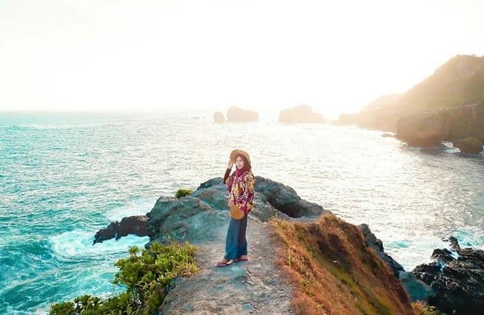 info naik bukit wisata pantai siung jogja