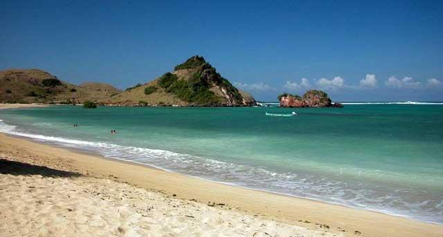 info obyek wisata pantai kuta lombok ntb
