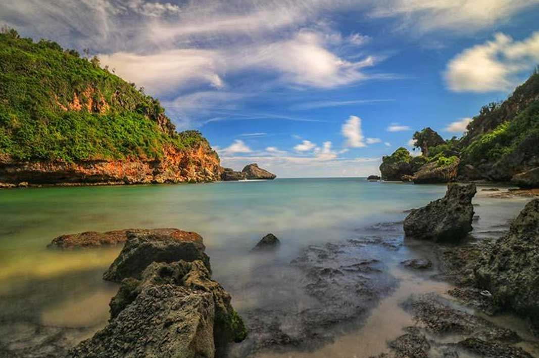 info sunset wisata pantai ngobaran jogja