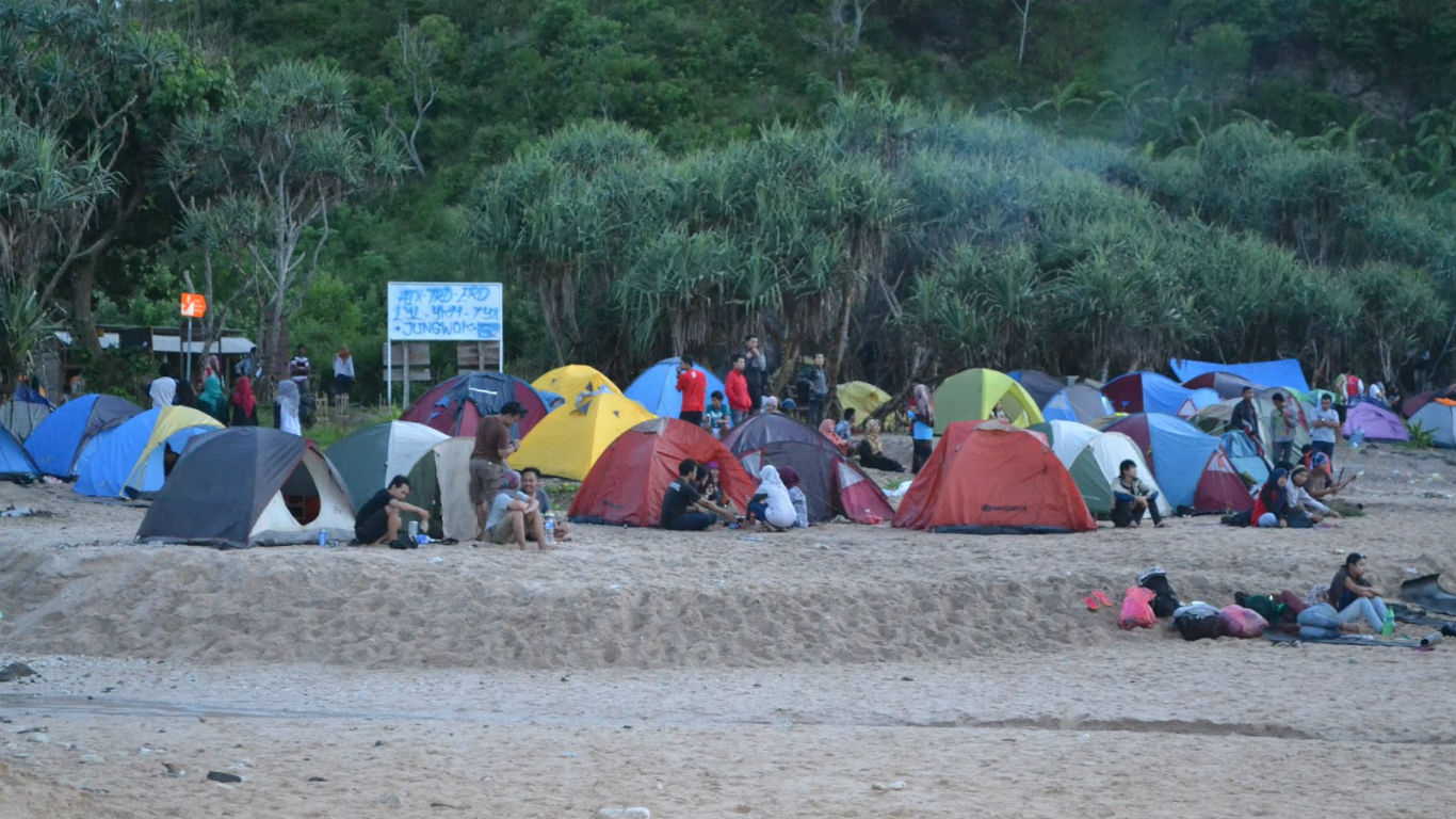 mancing camping pantai wediombo jogja