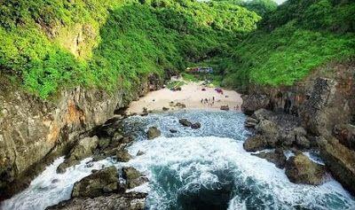 alamat rute pantai wohkudu