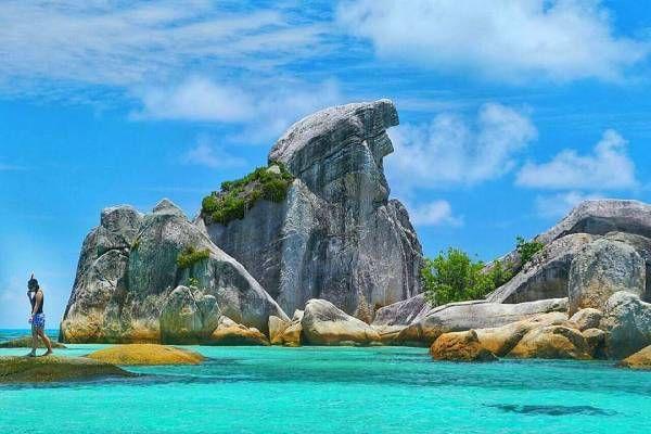 batu granit pantai tanjung tinggi