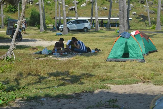 camping pantai srau