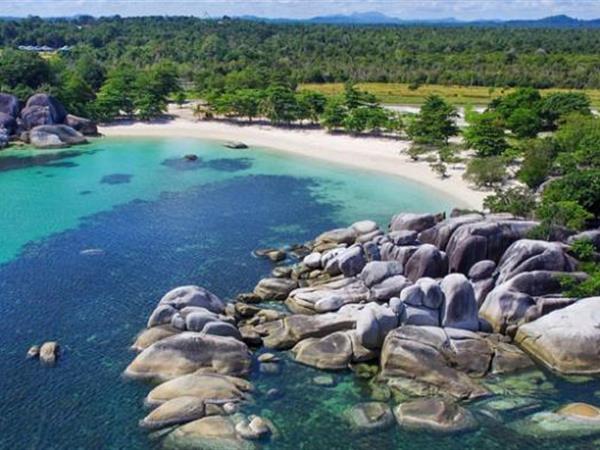 obyek wisata pantai tanjung tinggi